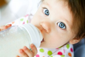 milkbabydrinking1 300x199 Panel Calls Out the FDA on BPA